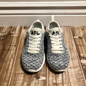 APL size 6 sneakers great condition 👟